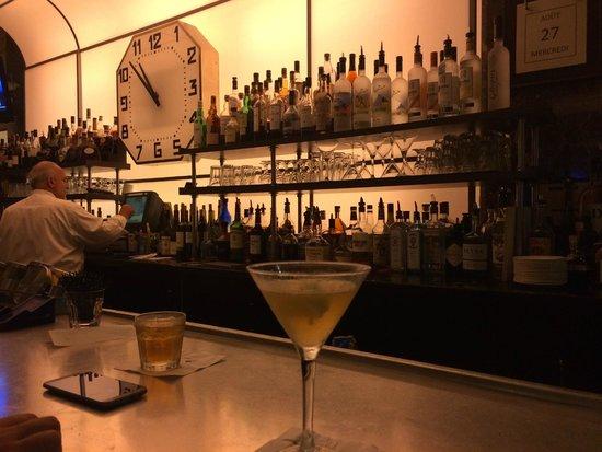 Colonnade Hotel: Hotel Restaurant/Bar