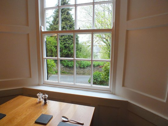 Stratton Gardens Guest House: View from the Breakfast Table