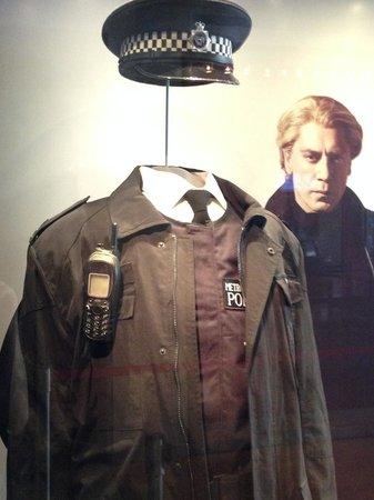 International Spy Museum : Cold War Spy-Era Display