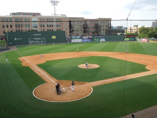 Fluor Field at the WestEnd: the field
