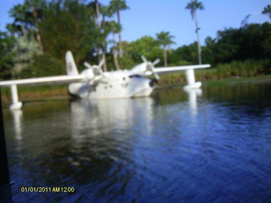 Loews Royal Pacific Resort at Universal Orlando : at the boat dock