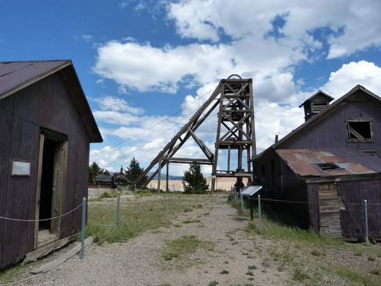 Cripple Creek & Victor Gold Mining Company: Head frame and outbuildings at the American Eagles overlook, Victor, CO.