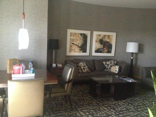 Seminole Hard Rock Hotel Hollywood: separate living/dining area
