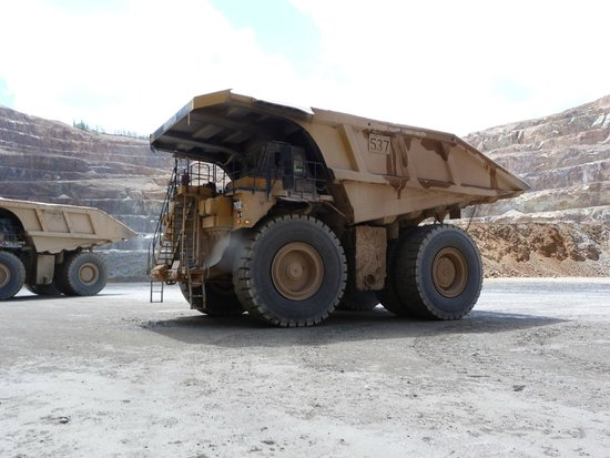 Cripple Creek & Victor Gold Mining Company: A haul truck at CC&V Gold Mine