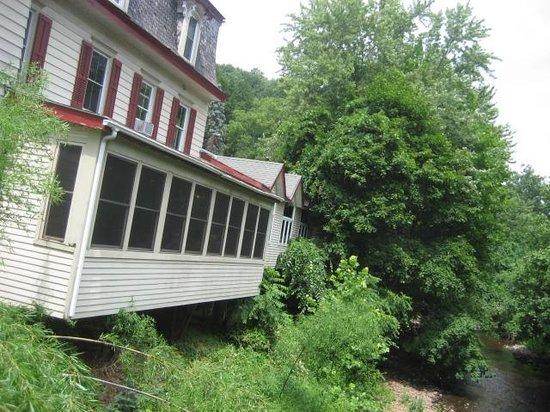 Ship Inn Restaurant & Brewery: side windows overlooking creek