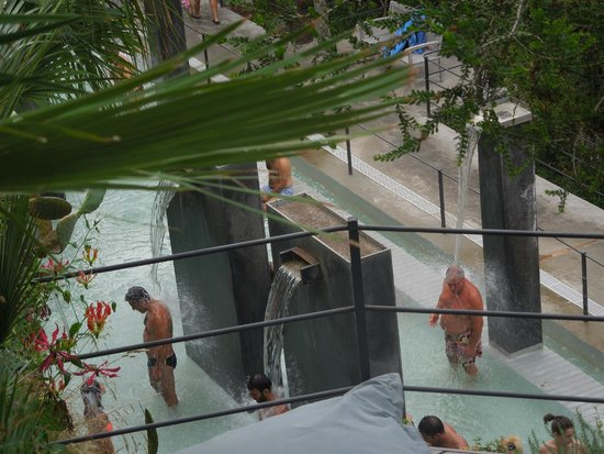 Negombo Giardini Termali : i doccioni del parco termale Negombo