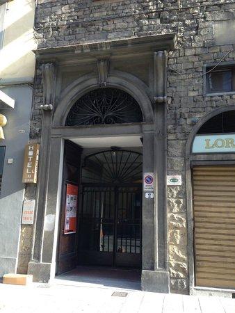 Hotel San Giovanni : Hostel entrance
