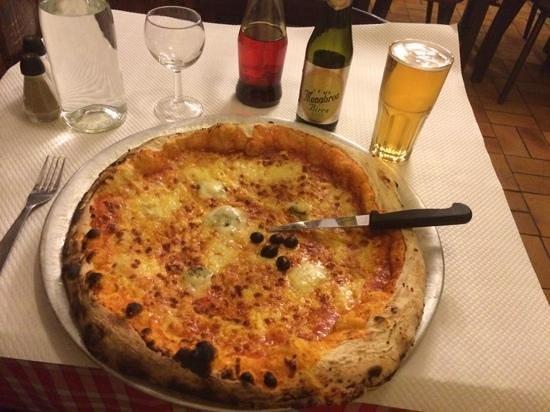 La Grand' Pizzeria : pizza royale (4 fromage)