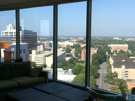 Loews Atlanta Hotel: suite
