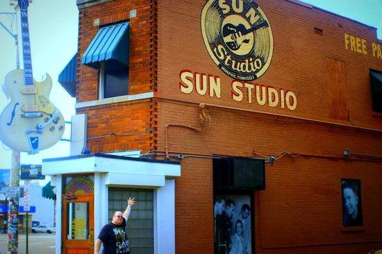 Sun Studio : Outside