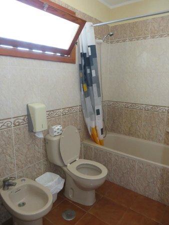 Club Olympus: Bathroom