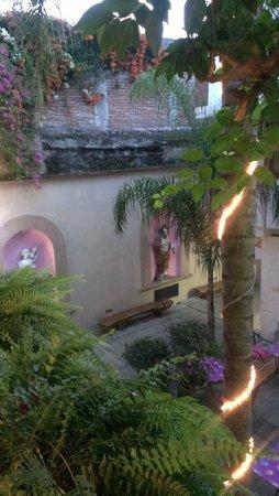 Casa de Las Bugambilias B&B: View from 2nd floor room deck