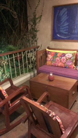 Casa de Las Bugambilias B&B: Our deck off our room