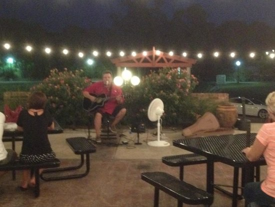 Wines of Nolan Creek : Live Entertainment!