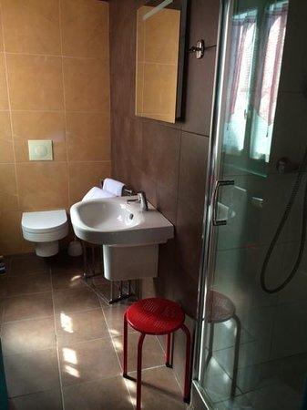 Hôtel de Gramont : sdb chambre 30
