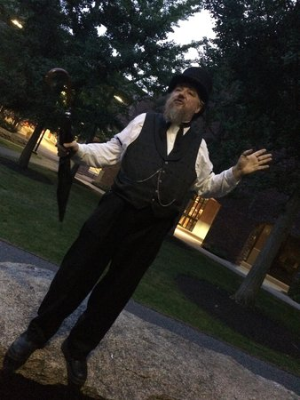 Salem Waterfront Hotel & Suites: Ghost tour guide