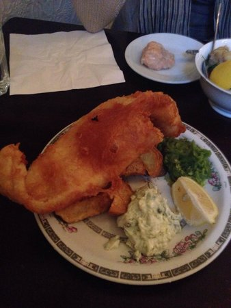 The Dogs : Classic fish&chips with à delicious tartar sauce !