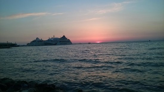 Derici Hotel: sunset view