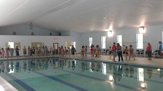 Salmon Falls River Camping Resort : Indoor Olympic sized Swimming Pool