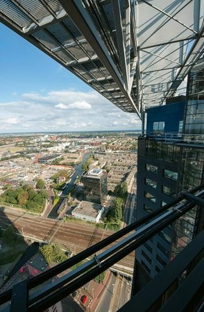 The Hague Tower : Elevator shaft with exterior wall from glass makes fun