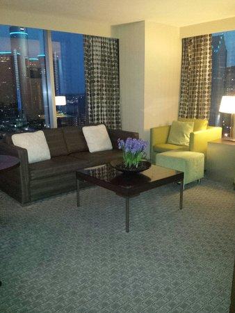 Greektown Casino Hotel: Living room/luxury suite