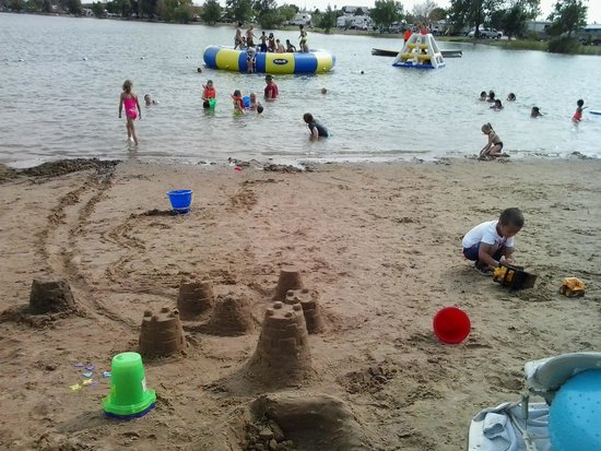 Caboose Lake Campground : great beach area.