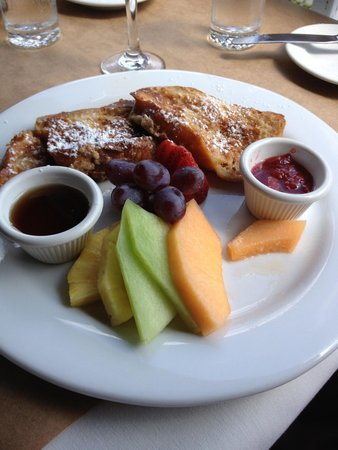Thyme : French toast - generous portions.
