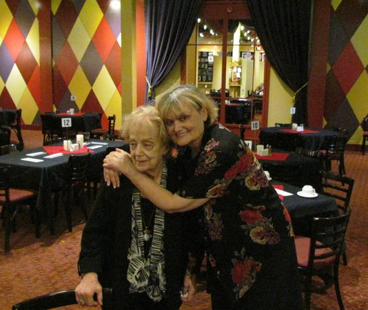 Famous People Players Dinner Theatre: Diane (originator) and her wonderful Mom !