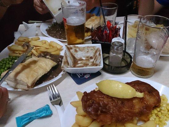 Scotch Corner Bar: The Table !