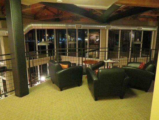 Cannery Pier Hotel: lobby area