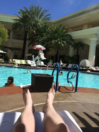 Four Seasons Hotel Las Vegas: View being Lazy Poolside