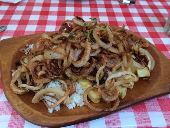 Kisharang Restaurant: sirloin of beef with fried onions