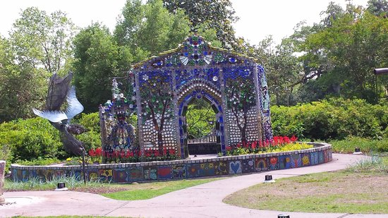 Airlie Gardens : Beautiful and unusual
