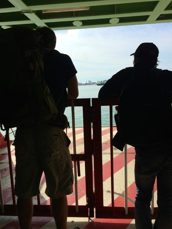 Penang Ferry Service: Backpackers making their way across to Palau Penang