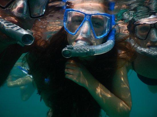 Blue Melody & Black Pearl Sailing: UNDERWATER SELFIE!