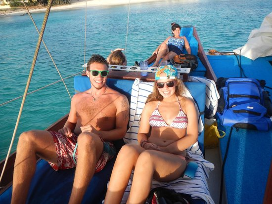 Blue Melody & Black Pearl Sailing: HAPPY CAMPERS.