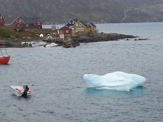 Old Cemetery : Iceberg in the bay