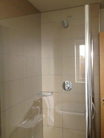 The Town House Durham: Bathroom