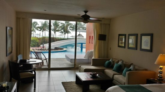Secrets Aura Cozumel: view from room to the pool