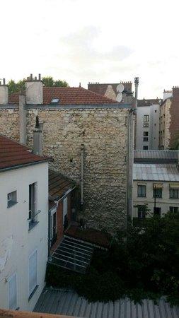 Residence De La Tour: View outside our windows#riztofeek