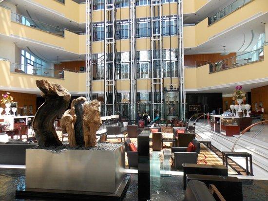 Jumeirah Emirates Towers: Lobby