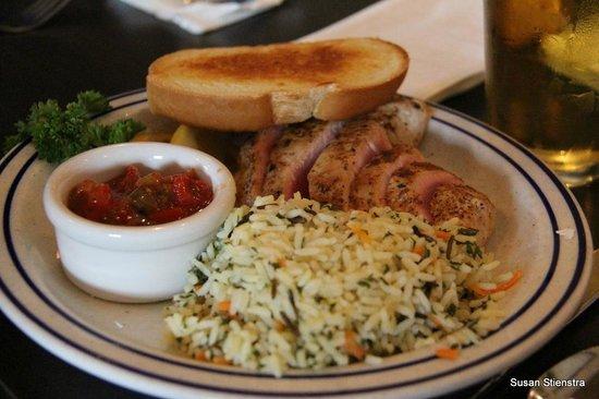 Dooger's Seafood & Grill: Ahi