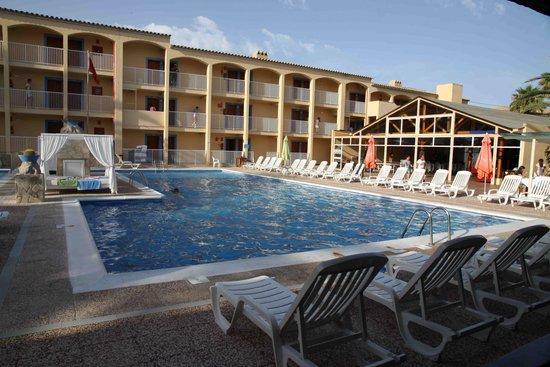 Hotel Club Cala Tarida: Piscina