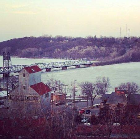 Ann Bean Mansion B&B: View of Stillwater from just a block away!