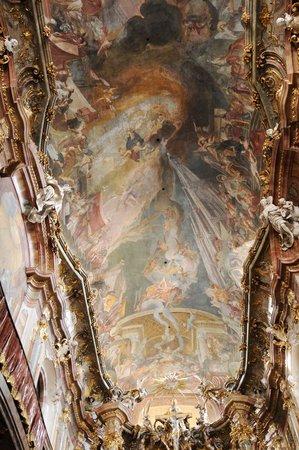Asamkirche: 天井画もこってり
