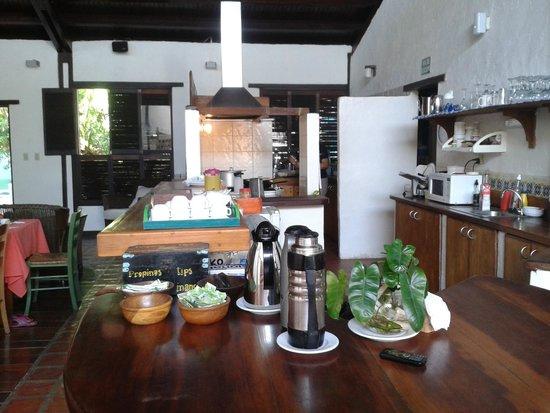 Posada Bequeve: esta es la zona del comedor. ambiente fresco y muy familiar