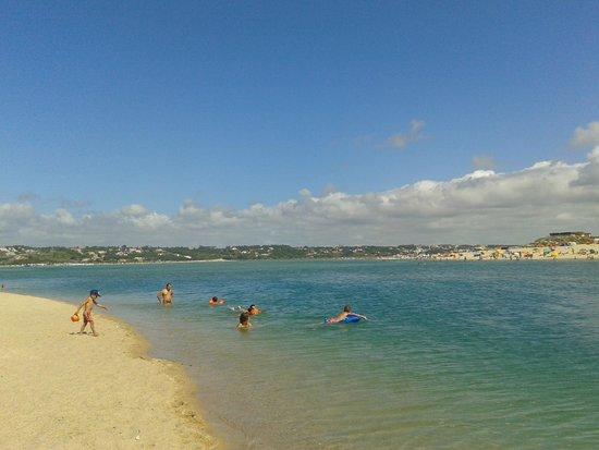 https://media-cdn.tripadvisor.com/media/photo-s/06/7f/96/a4/praia-d-el-rey-golf-course.jpg