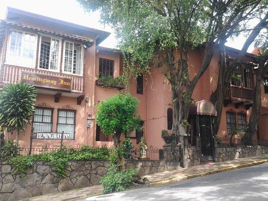 Hemingway Inn: Fachada Afuera