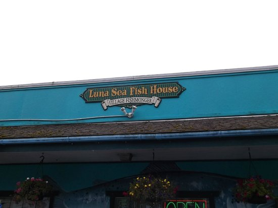 Luna Sea Fish House: Front of building