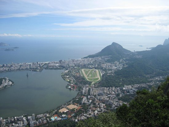 Statue du Christ Rédempteur : View of the Lagoa and Ipanema from Corcovado